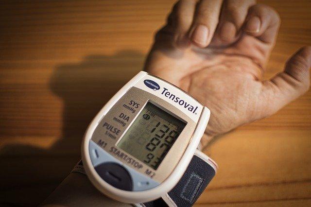 15 Cara Alami Menurunkan Tekanan Darah Tinggi Anda